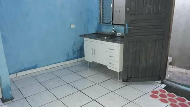Quarto e banheiro para homem ou mulher solteiro para alugar 974 154425