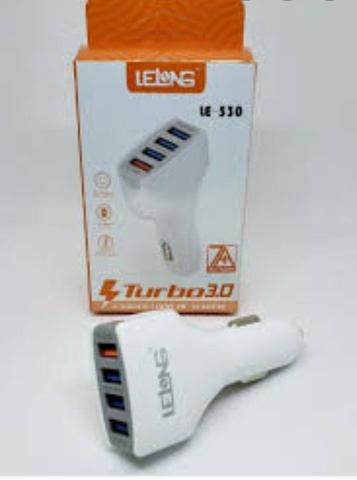 Carregador veicular universal com 4 entradas USB