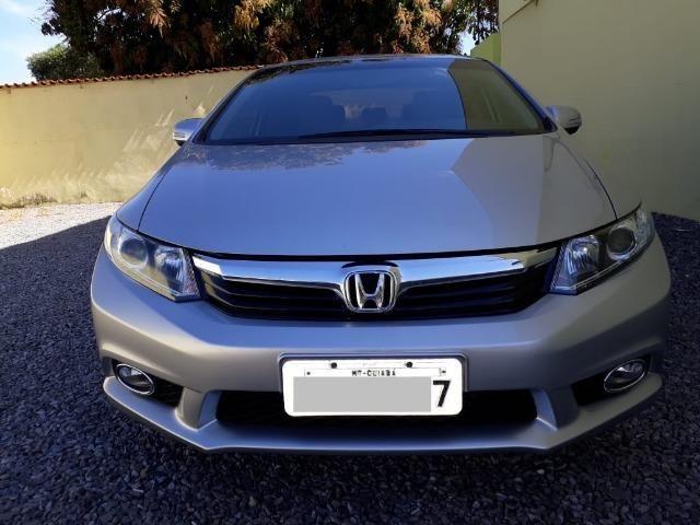 Honda Civic 2.0 LXR com kit multimídia original Honda 2013 - 2014
