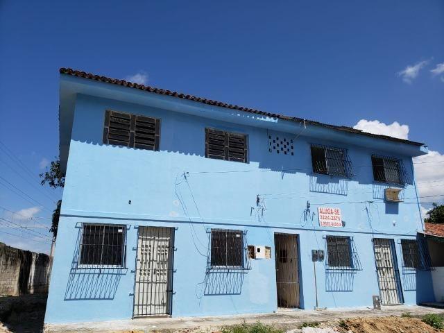 Kitinettes e apartamentos na Estrada da Batalha em frente à Justiça do Tabalho - Foto 2