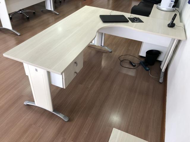 Mesa de Escritório Usada (tamanho médio) - ref.02 - Foto 4