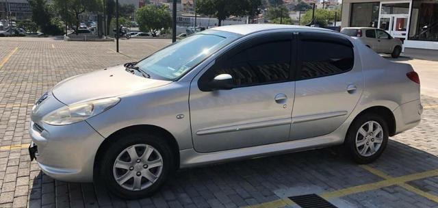 Peugeot sedã 2013 só 18.000,00 reais - Foto 2
