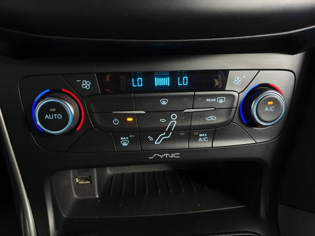 Ford Focus Fastback SE/SE PLUS 2.0 Flex Aut. - Cinza - 2017 - Foto 10
