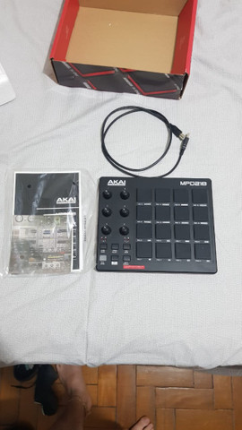 Akai MPD 218 Midi Pad Controller - Foto 2