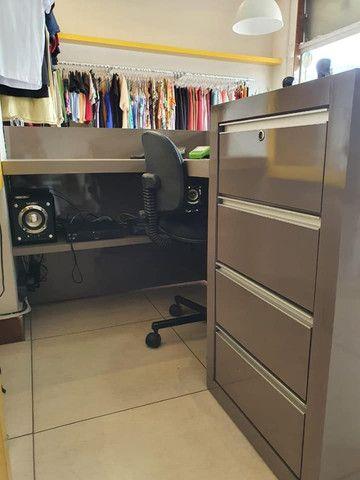 VENDO URGENTE Móvel caixa + Estante de nichos - Foto 4