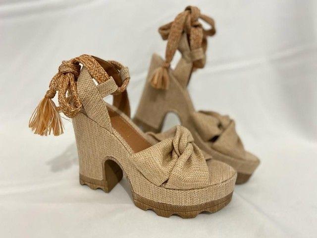 Sandálias no atacado de salto direto da fábrica  - Foto 6