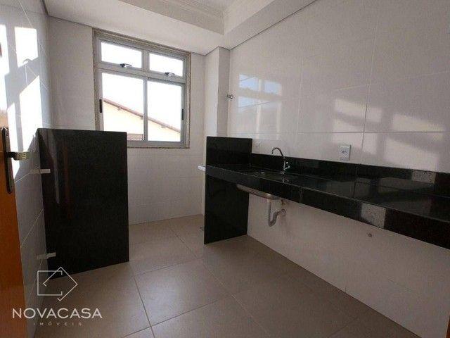 Apartamento com 3 dormitórios à venda, 56 m² por R$ 300.000,00 - Candelária - Belo Horizon - Foto 13