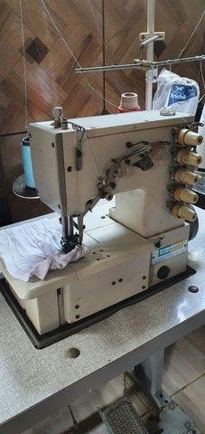 Máquina de costura Galoneira Industrial Bracob BC 4000-5 completa 3 Agulhas - Usada - Foto 4