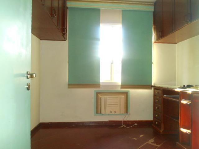 Rua Souza Franco, apto 02 dormitórios , dependência , varanda e vaga escriturada - Foto 6