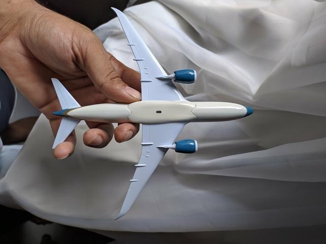 Miniatura boeing 787 - Foto 5
