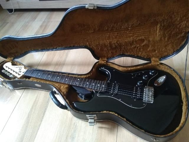 Guitarra Fender Squier Seymour Duncan