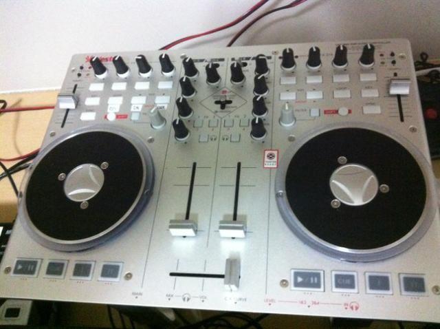 Vestax VCI 100 mk2 Controlador DJ (Mixer + CDJ)