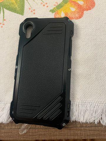 Armadura capa de iPhone XR parafusada - Foto 4