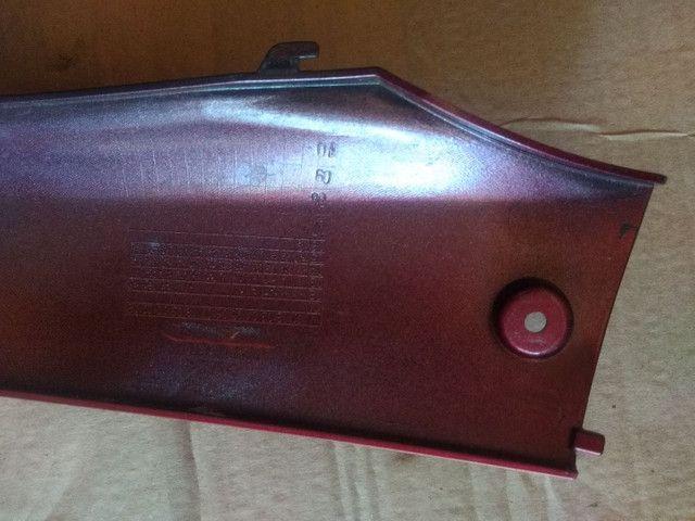 Tampa Lateral Inferior Vermelho Esquerdo Burgman 125 2005a10 - Foto 2