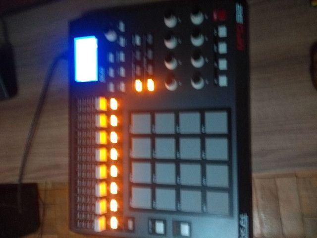Controladora MPD32 Akai  - Foto 4