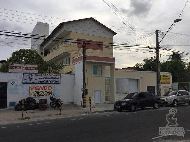 AP1686- Aluga Apartamento no Montese sem taxa de condomínio com 2 quartos 1 ou 2 vagas. - Foto 8