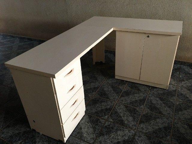Mesa escritório em L - Foto 2