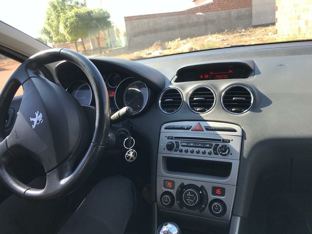 Peugeot 408 - Foto 8