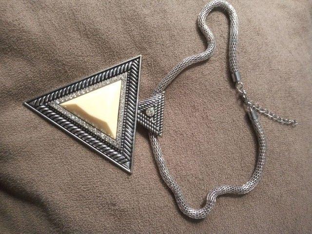 Colar Egito triângulo