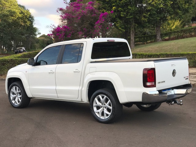 VW Amarok 3.0 V6 Highline - 2018  - Foto 4
