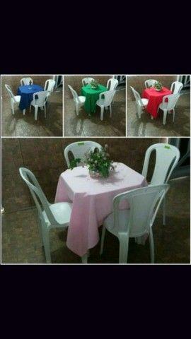 Mesas e cadeiras  (R$ 5.00 ) Aluguel  99212/6216