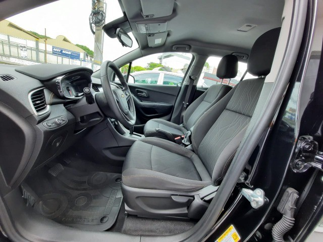 Ent. 50% + 48x 1.299,00 - Chevrolet Tracker LT 1.4 Turbo só 45.000km - Foto 6