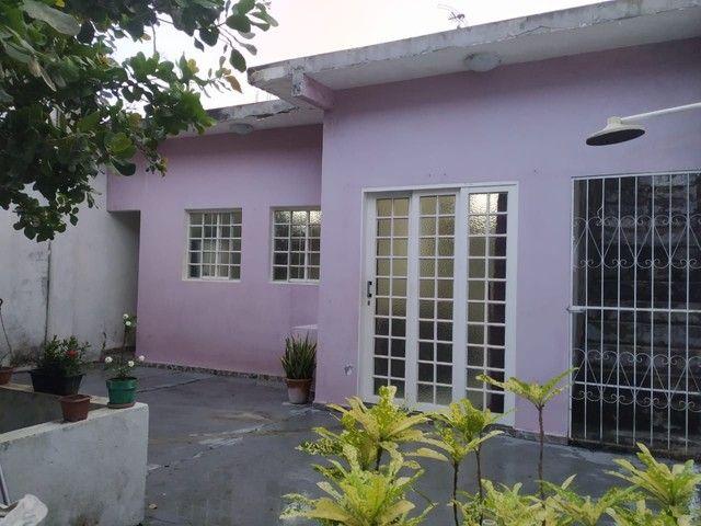 Troco as duas casas por outra mais R$130 mil.