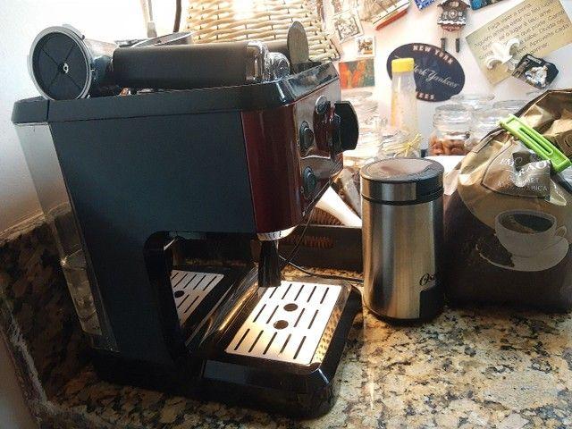 Cafeteira e moedor oster praticamente sem uso  - Foto 3