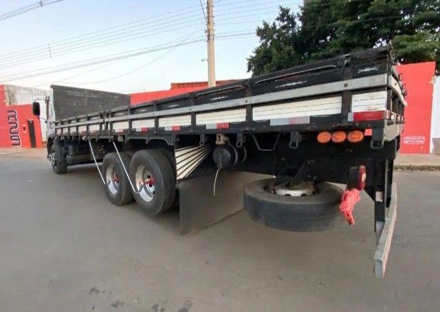 Vendo 17280 truck 6x2 ano 2015 - Foto 4