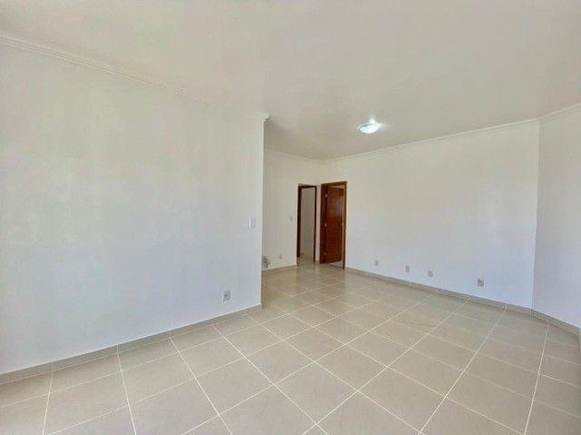 Lindo apartamento, 3 suítes 3 vg. Andar alto. - Foto 3