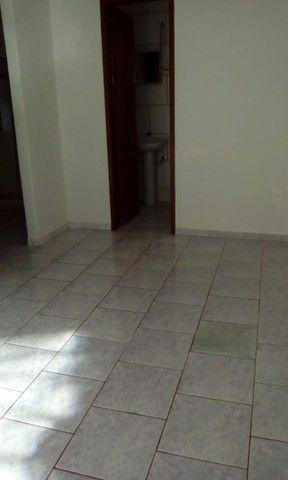 Aluga-se Casa em Condominio 1 quarto 1 banheiro R$ 900,00 - Foto 6