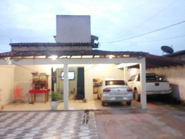 Casa com com 4 centrais de ar e piscina inicio do açai proximo a BR