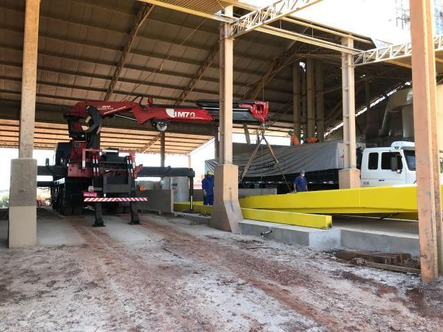 Caminhão Munck Traseiro 70 ton,Giro infinito - Foto 2