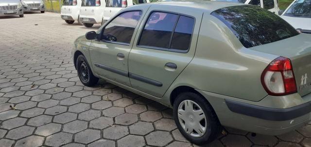 Renault Clio sedan 1.0 16v - Foto 4