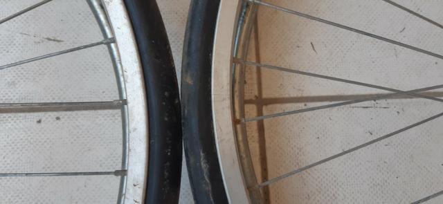 Rodas P/ Cadeira De Rodas Ou Carrinho ( 2 Pneus C/ Aros Em Alumínio ) R$ 100,00 - Foto 3