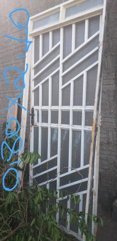 Telhas,porta e janelas