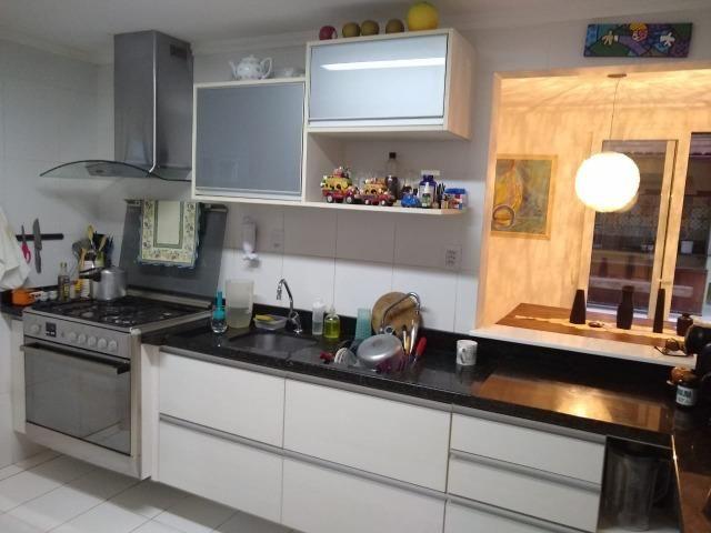 Casa em condomínio fechado 4/4 quatro quartos 222 m2 500 m2 de terreno Jaguaribe - Foto 6