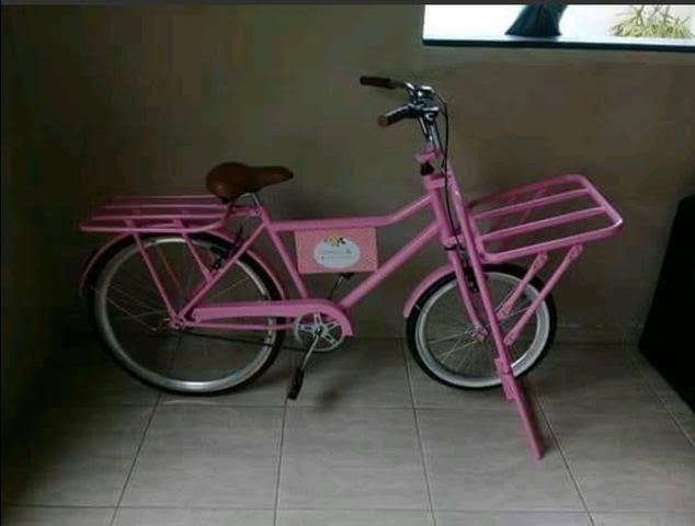 Bike cargueira na cor rosa