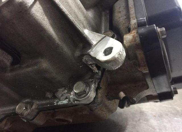 Caixa de Cambio Automatico bateu e quebrou vazou oleo (a vista em dinheiro)