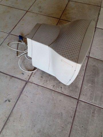 Monitor de Computador PHILIPS 14 polegadas. Antigo mais funcionando perfeitamente. - Foto 3