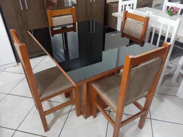 Mesa de vidro com 4 cadeiras - Foto 4