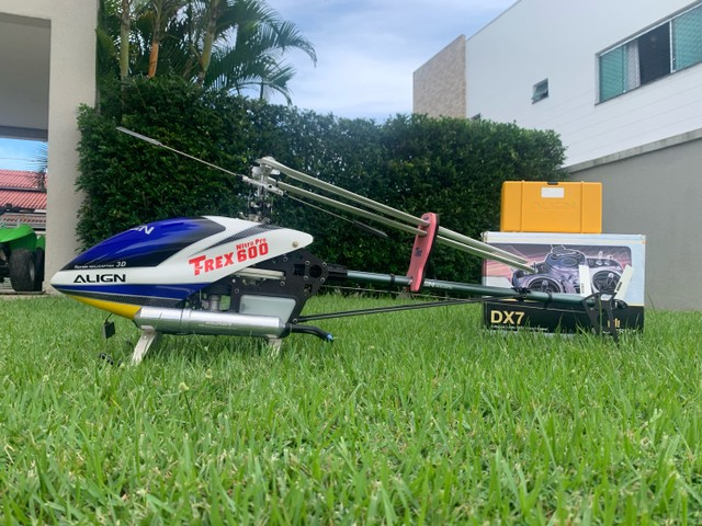 Helicóptero T-rex 600