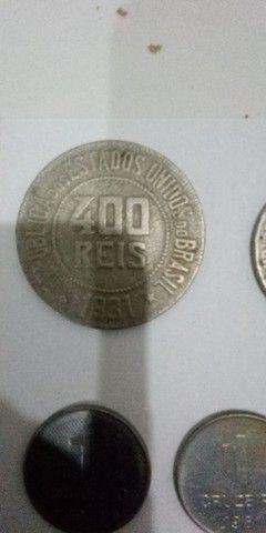 Vende-se moedas antigas para colecionadores e simpatizantes