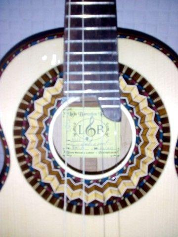 Cavaquinho Luthier em faia maciço modelo luxo. - Foto 3