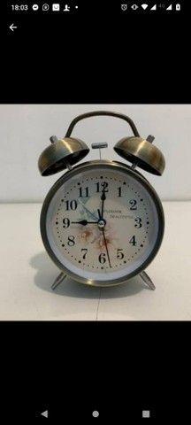 Relógio despertador retro super lindo e alto grande promoção