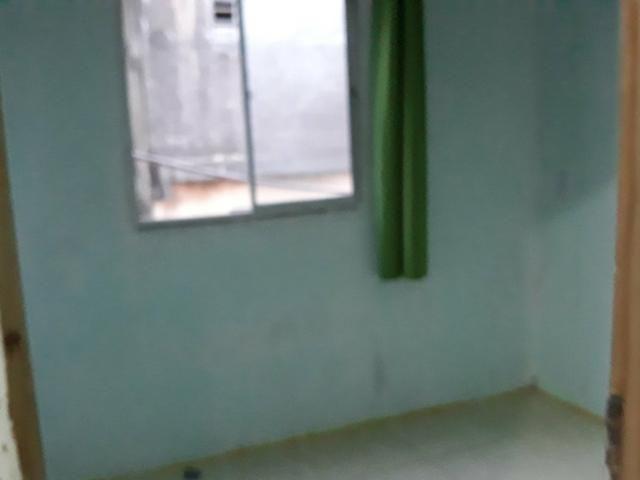 Aluga-se kitnet com 2 quartos - Foto 5