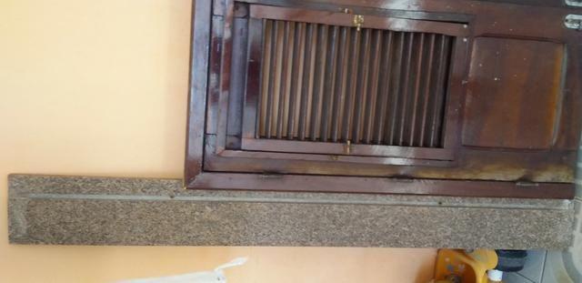 Janela de madeira , porta de 60 e pedra de granito - Foto 2