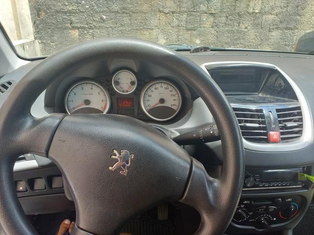 Peugeot 207 1.4 8v top de linha