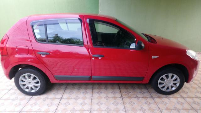 Renault Sandero 1.0 2011 completo