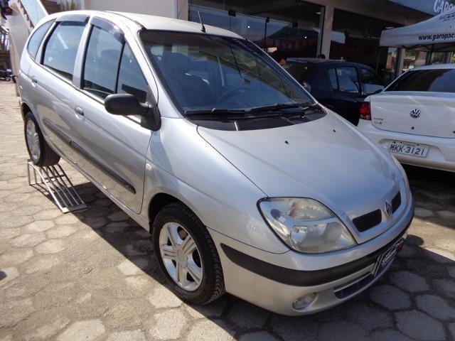 Renault - Scenic 1.6 Completa - 2011